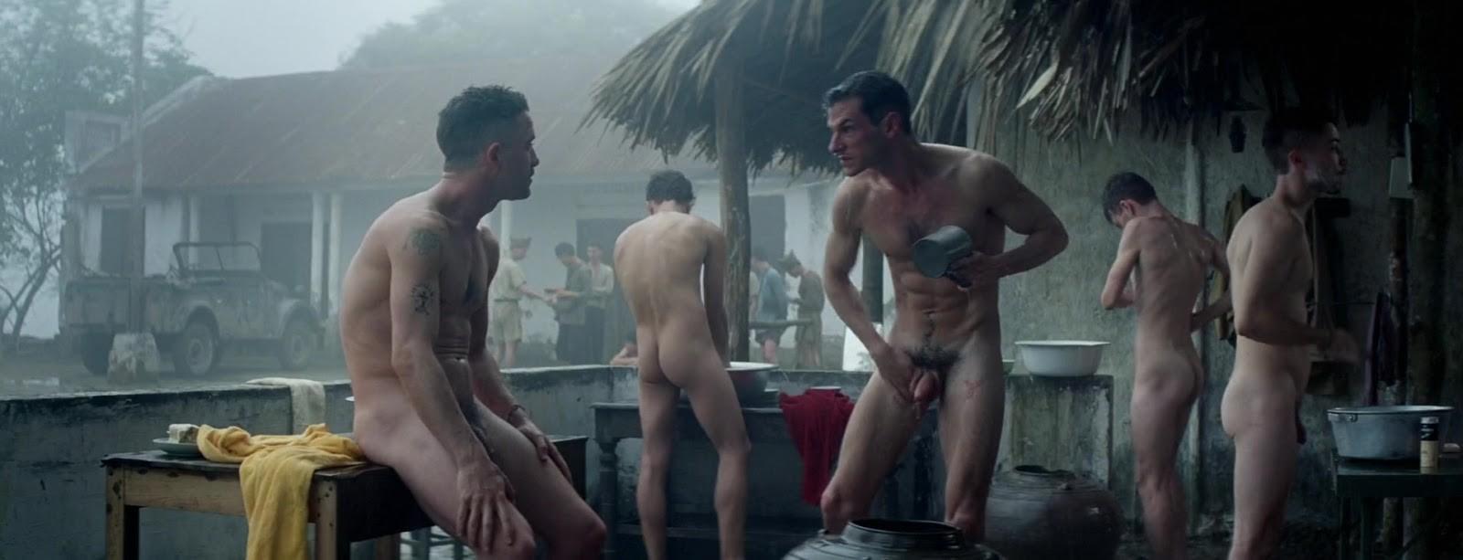 """Gaspard Ulliel torna a spogliarsi integralmente nel film """"Les Confins du  Monde"""""""