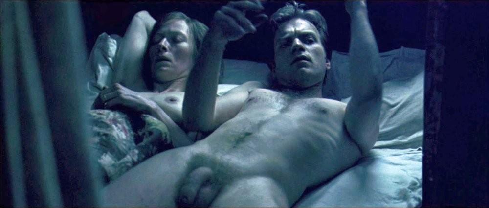 Ewan mcgregor talks gaining weight for nude scene in fargo