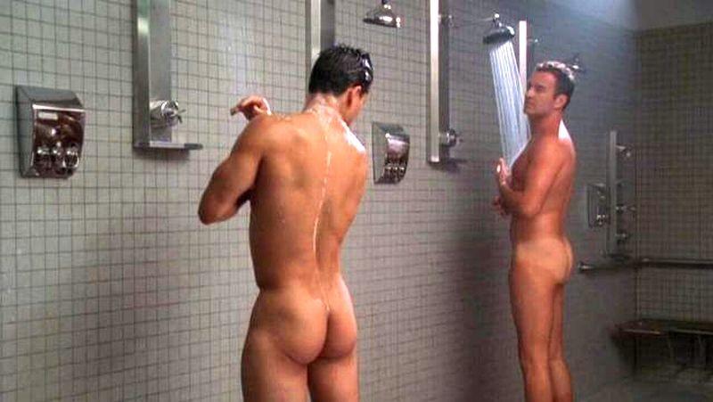 Omg, he's naked