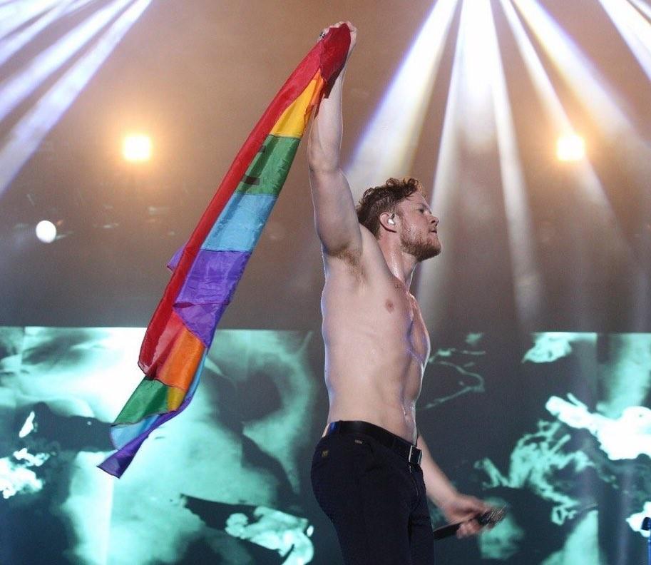 Al reynolds star gay