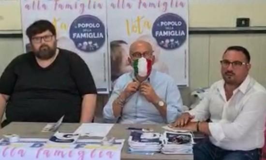 Il partito di Adinolfi torna ad attaccare le famiglie sterili pur di inveire contro i gay