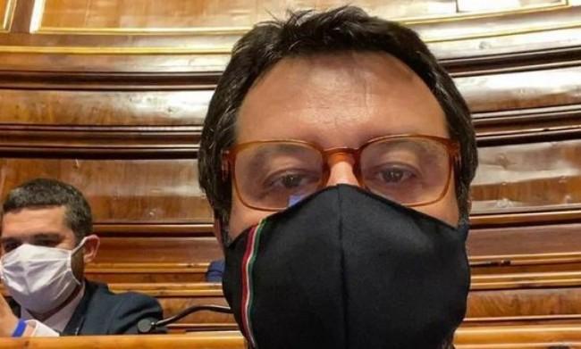 Salvini contro Conte in diretta ▷